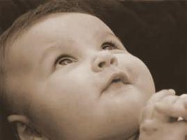 bebe-rezando ORANDO